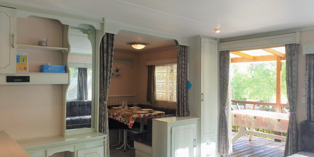 Mobil-home Vintage Vue Salon et terrasse